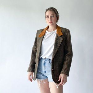 vintage tweed blazer with leather butons